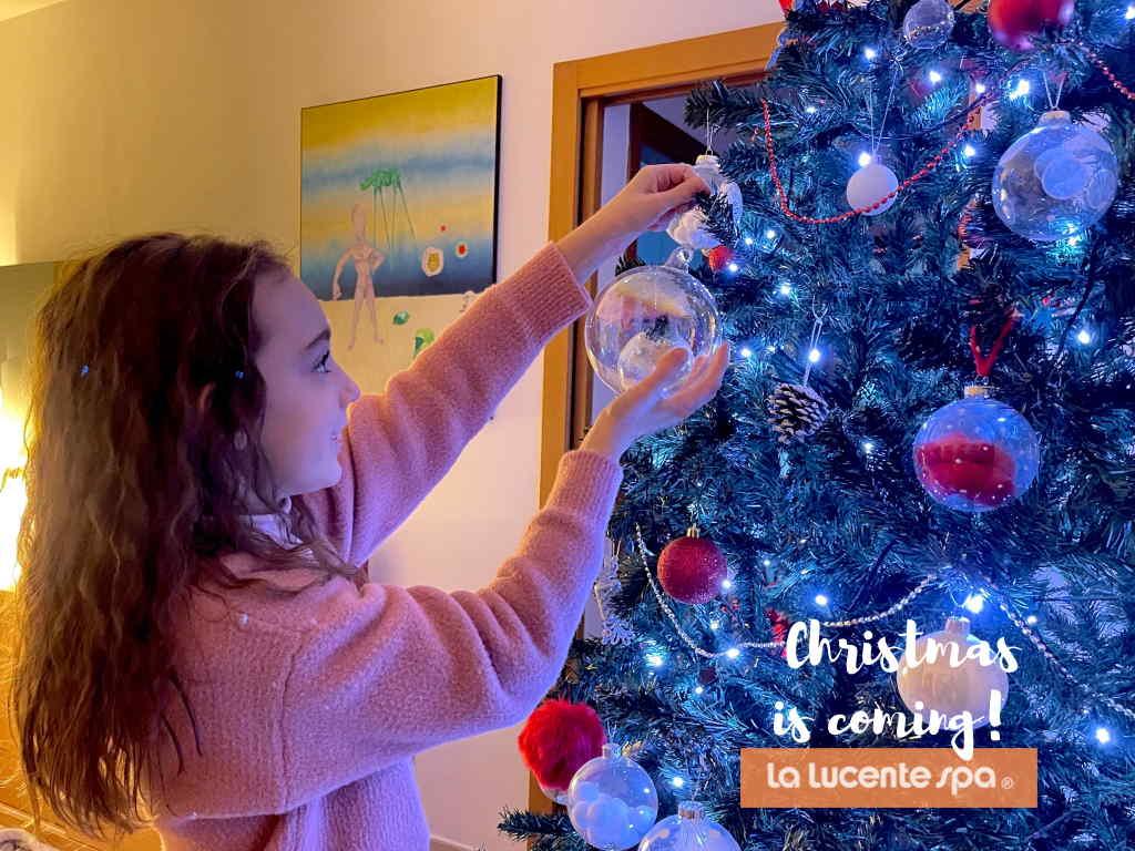 Auguri Di Buon Natale 2021 Video.Buon Natale E Felice 2021 Da La Lucente S P A La Lucente S P A